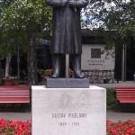 Statue of Gustav Vigeland in Vigeland Park