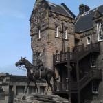 Statue man on horse
